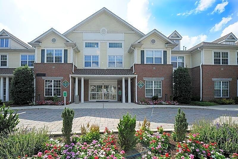 Apartments Near RCC The Kentshire- Senior Living for Rockland Community College Students in Suffern, NY