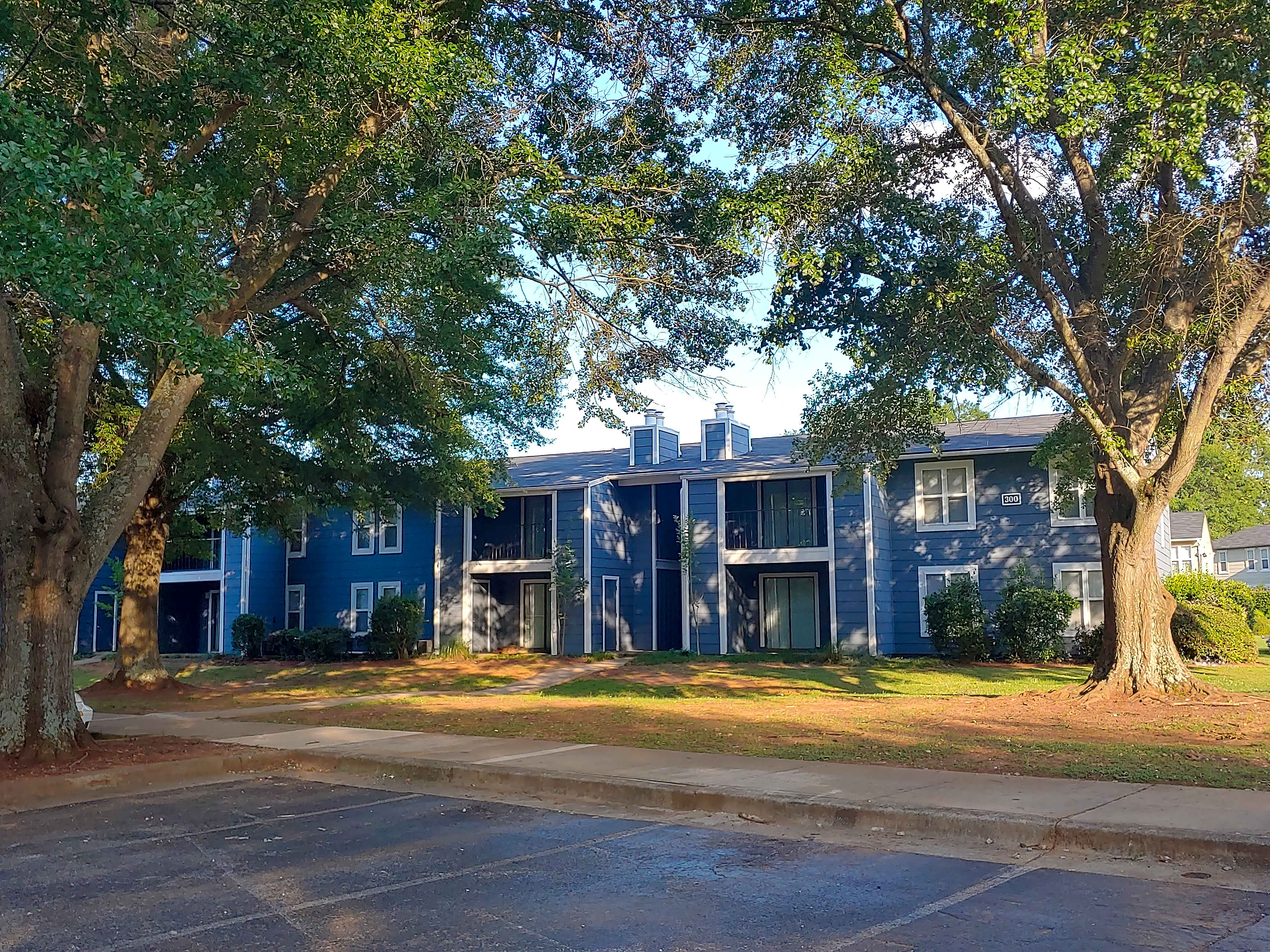 Apartments Near Oakwood Governors House for Oakwood University of Seventh-day Adventists Students in Huntsville, AL