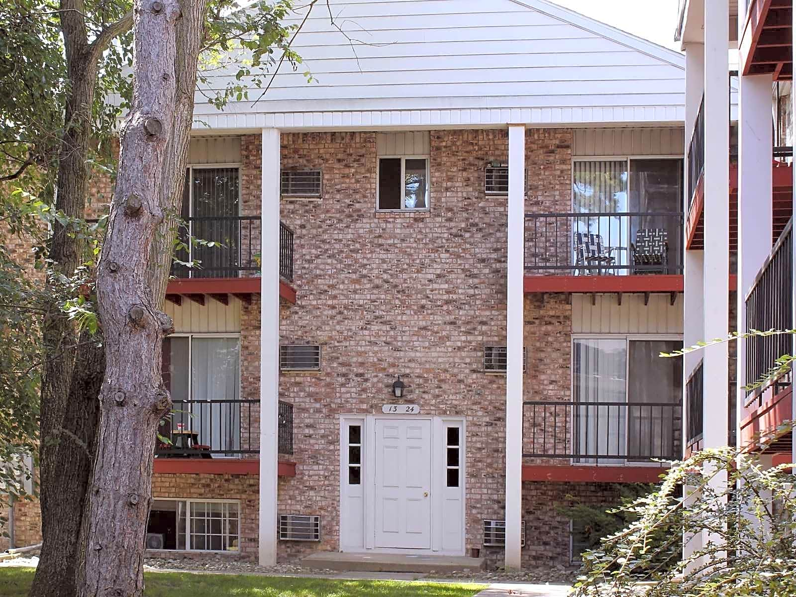 Apartments Near BGSU Oak Hill Apartments for Bowling Green State University Students in Bowling Green, OH