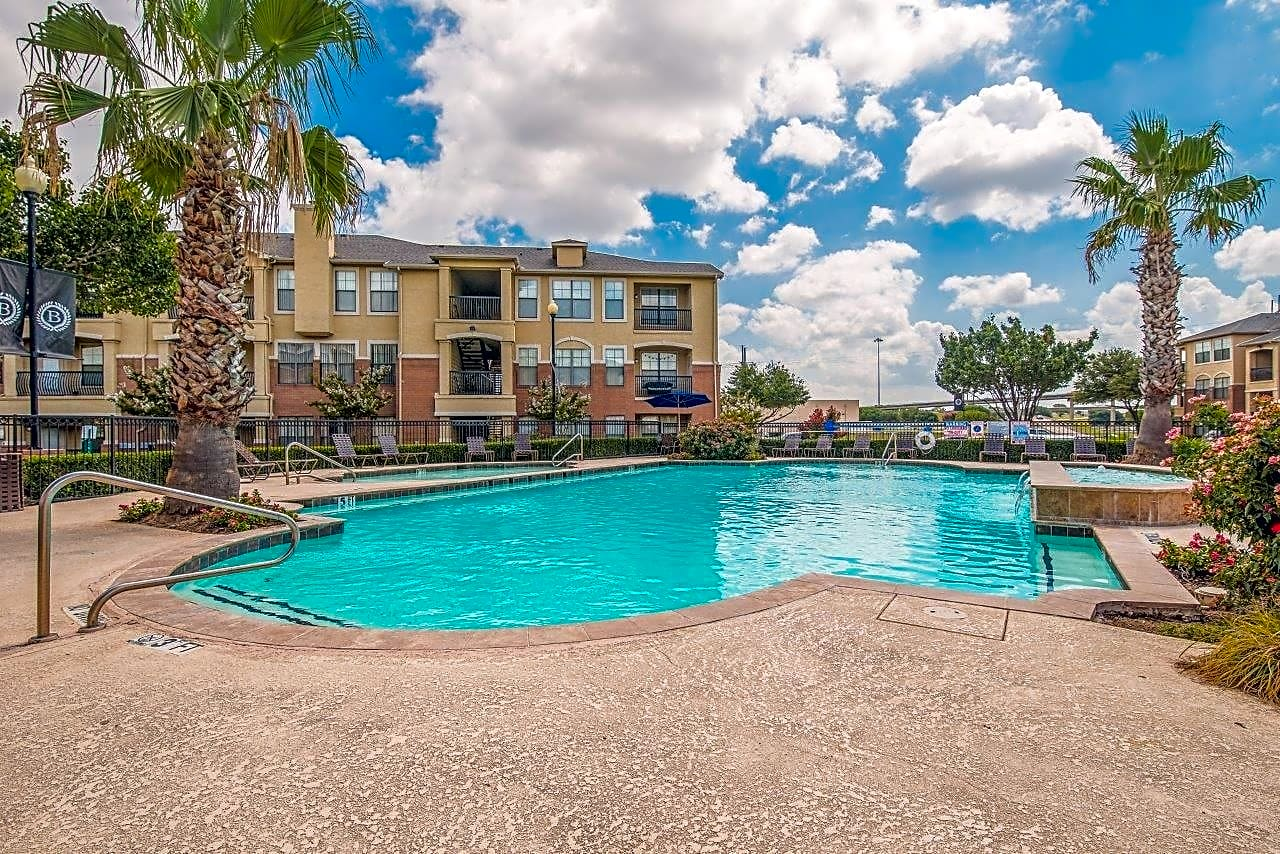 Apartments Near Eastfield College  The Barons for Eastfield College  Students in Mesquite, TX