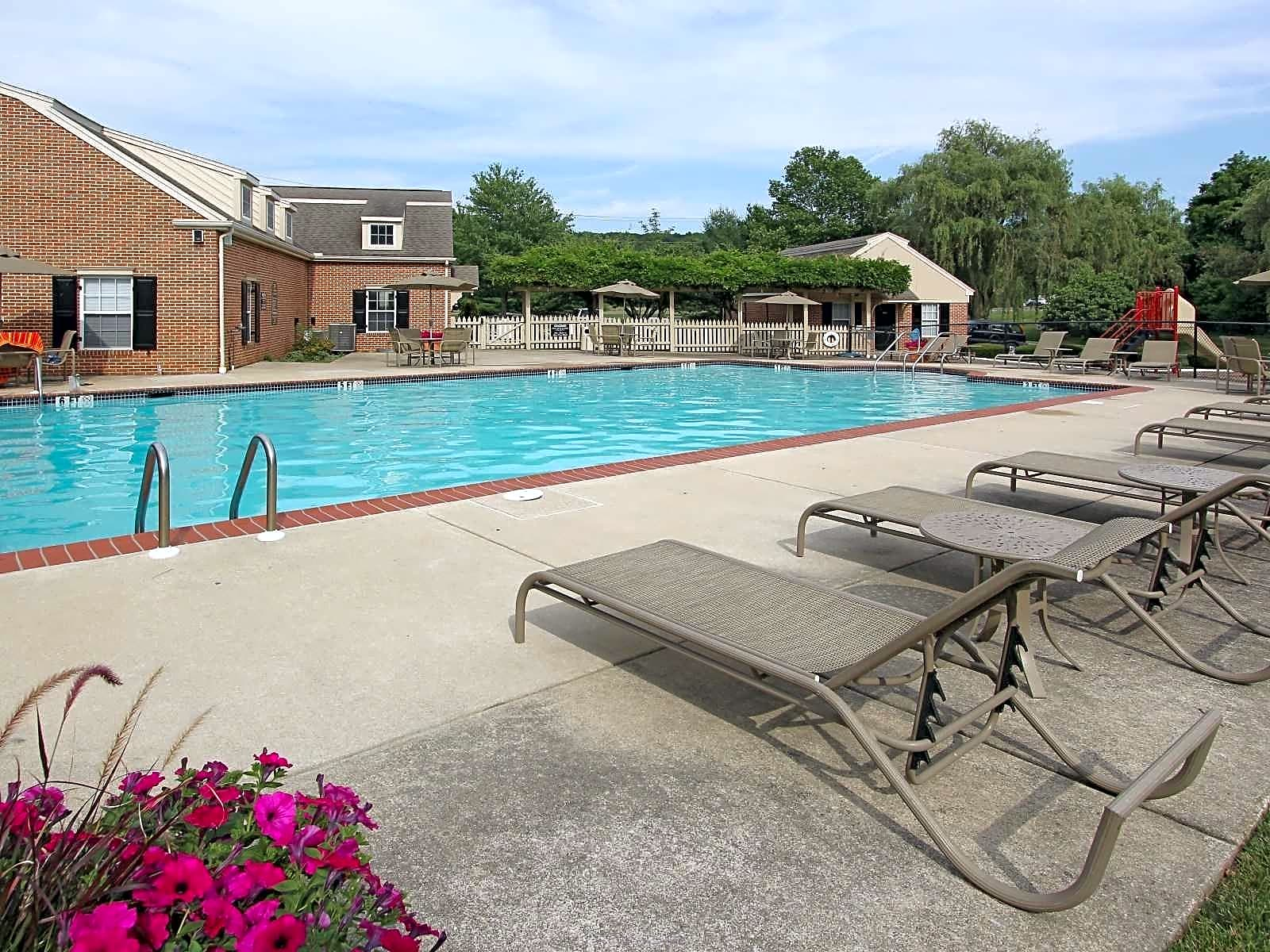 Apartments Near Lebanon Valley Hershey Heights for Lebanon Valley College Students in Annville, PA