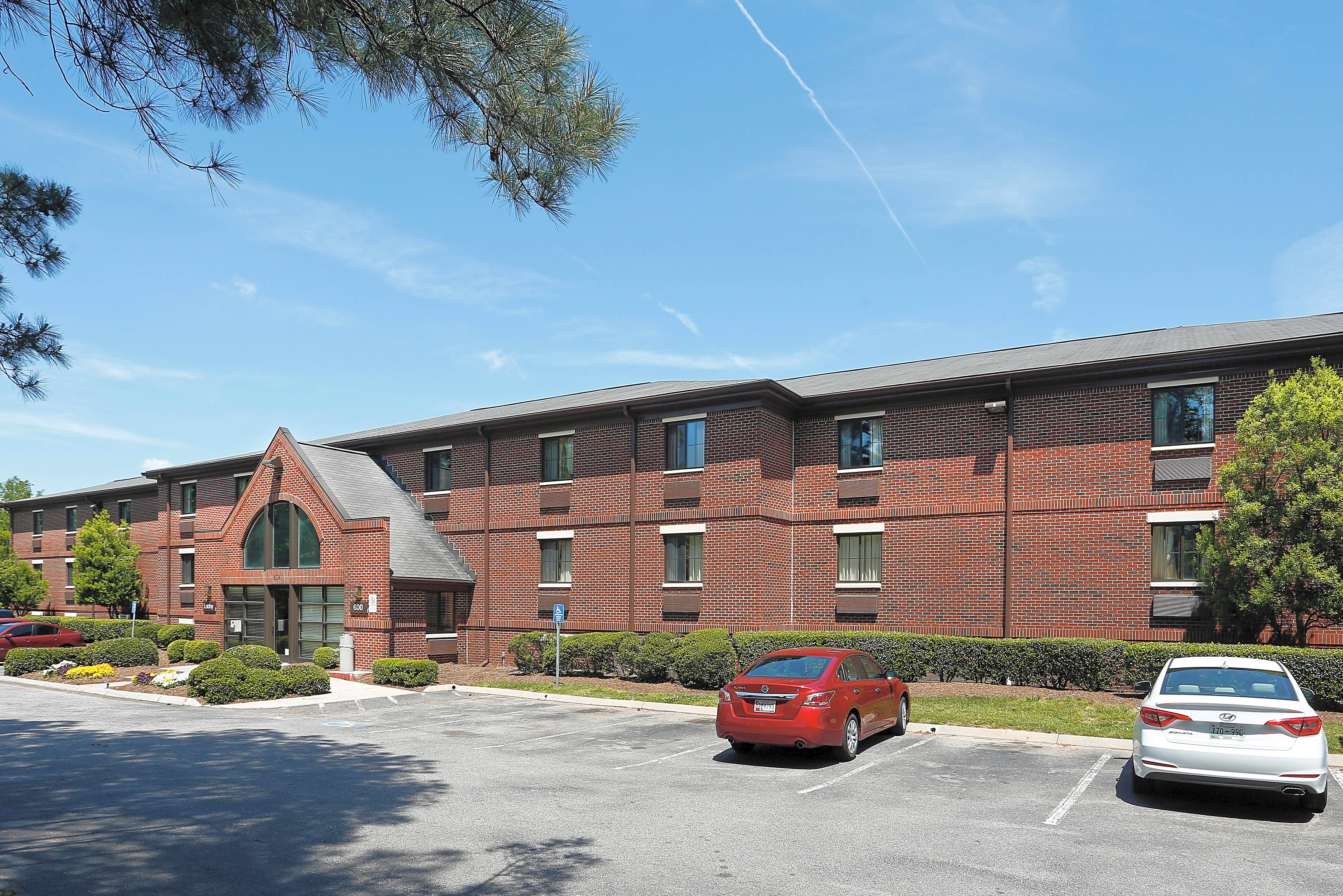 Apartments Near NC State Furnished Studio - Raleigh - Cary - Harrison Ave. for North Carolina State University Students in Raleigh, NC