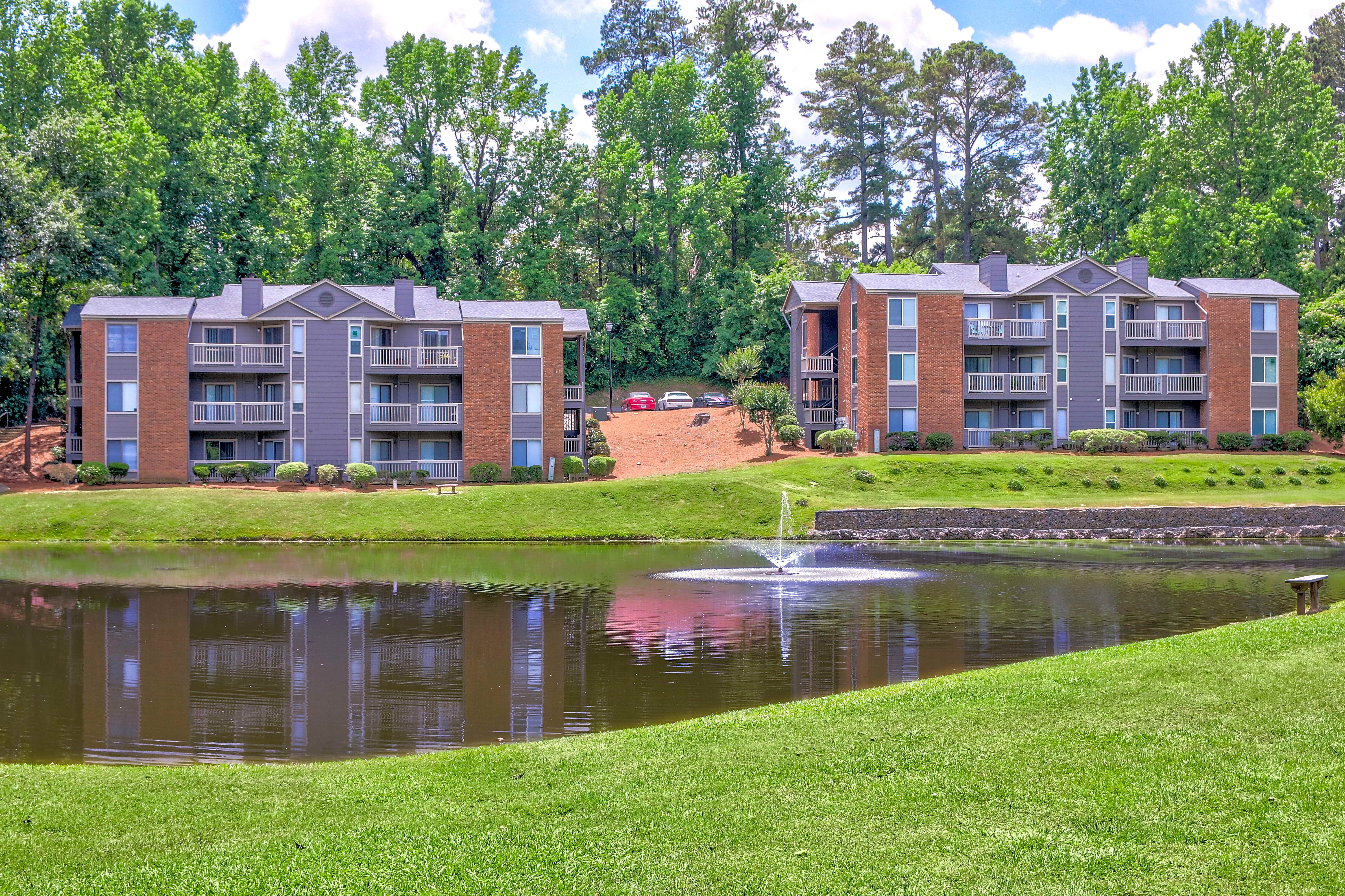 Apartments Near ASU Woodhill Apartments for Augusta State University Students in Augusta, GA