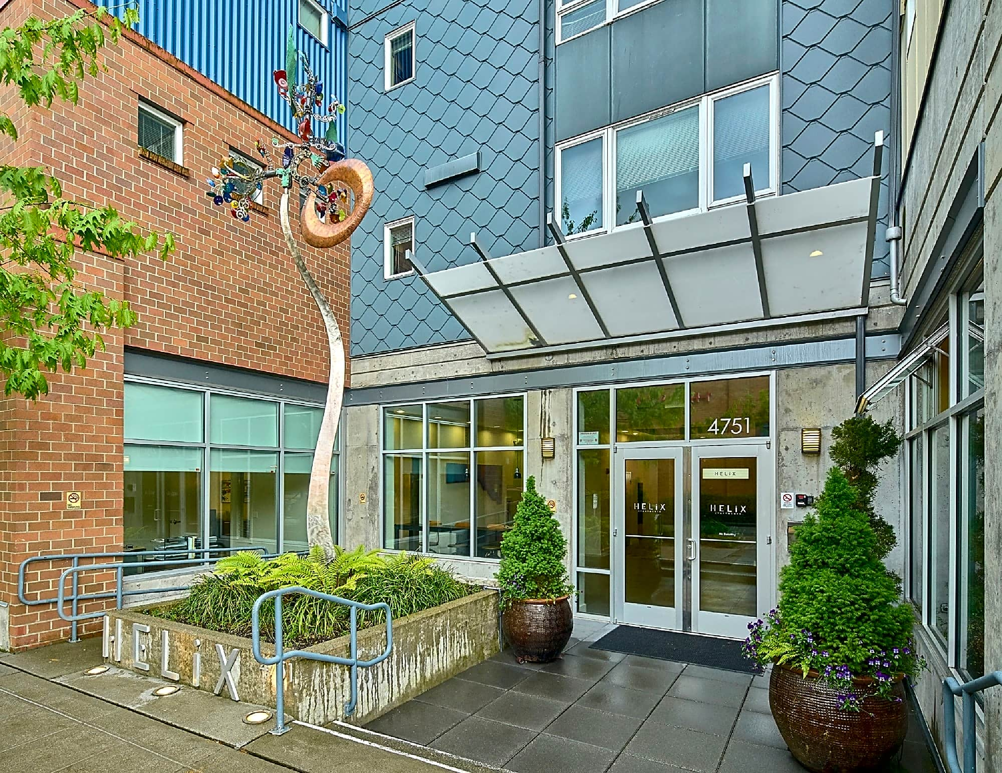 Apartments Near UW Helix-Ellipse for University of Washington Students in Seattle, WA