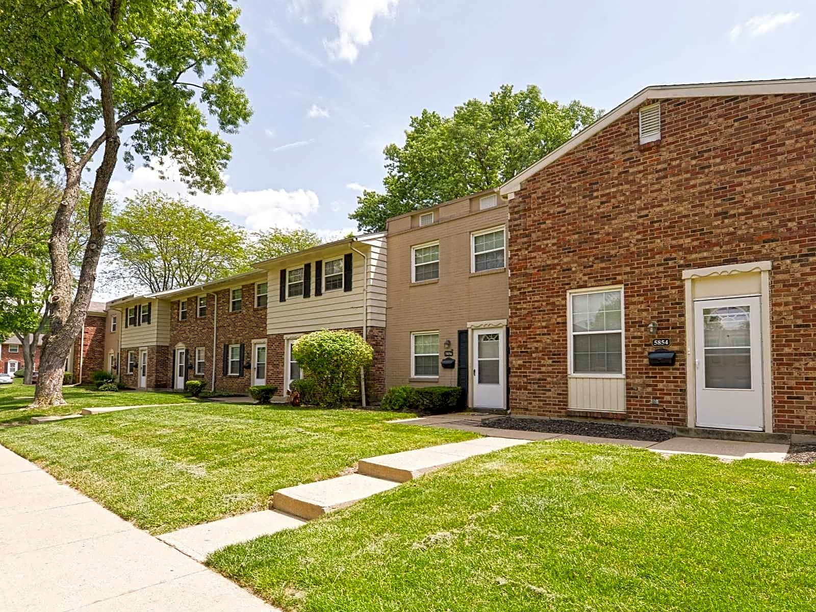 Windsor Terrace Apartments - Huber Heights, OH 45424