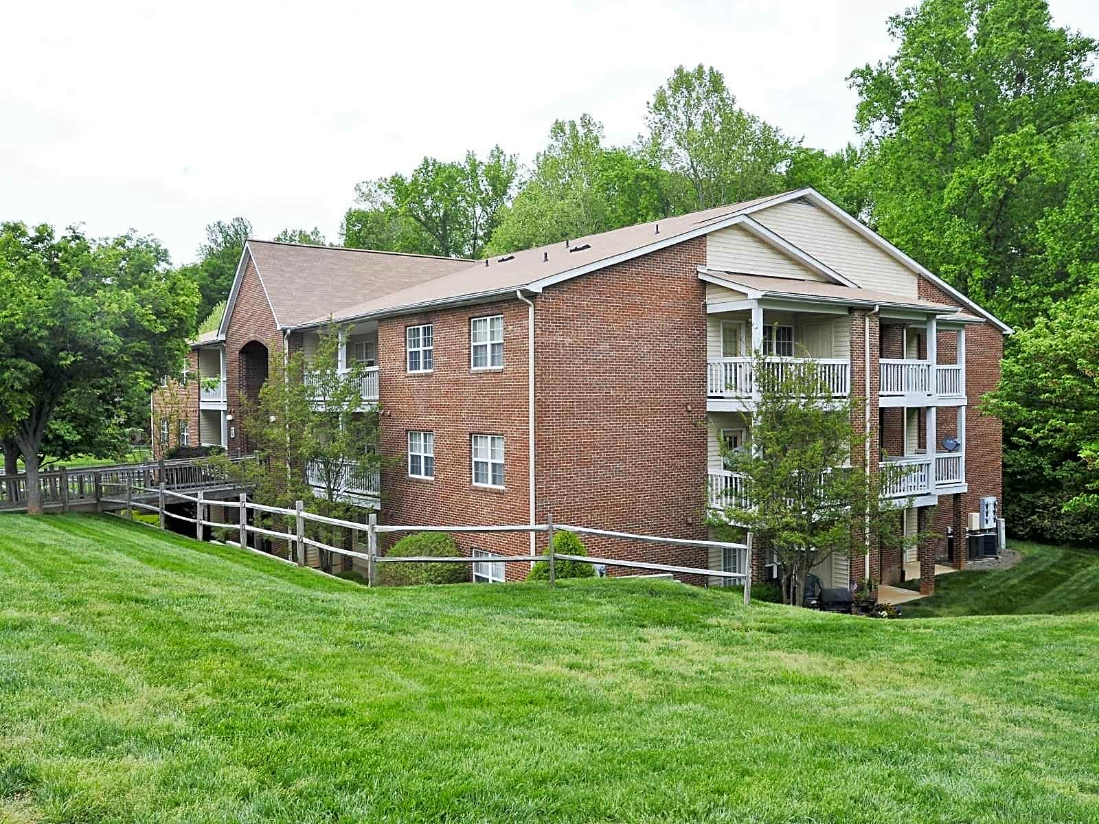 Apartments Near Guilford Cardinal Apartments for Guilford College Students in Greensboro, NC