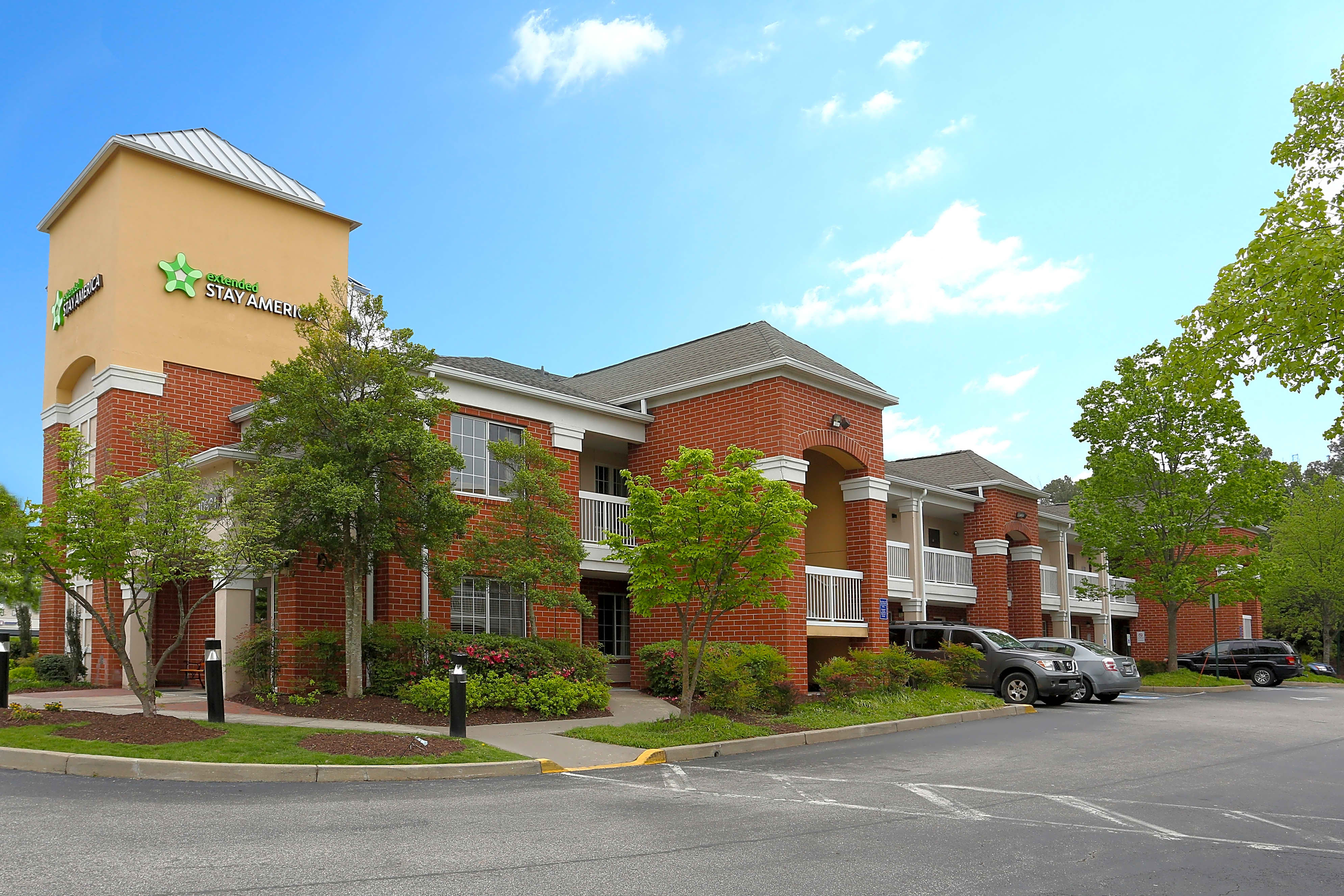 Apartments Near VCU Furnished Studio - Richmond - West End - I-64 for Virginia Commonwealth University Students in Richmond, VA
