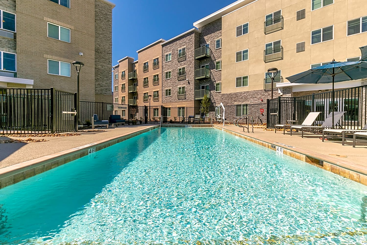 Apartments Near Eastfield College  Oakwood WaterWalk Dallas - Richardson for Eastfield College  Students in Mesquite, TX