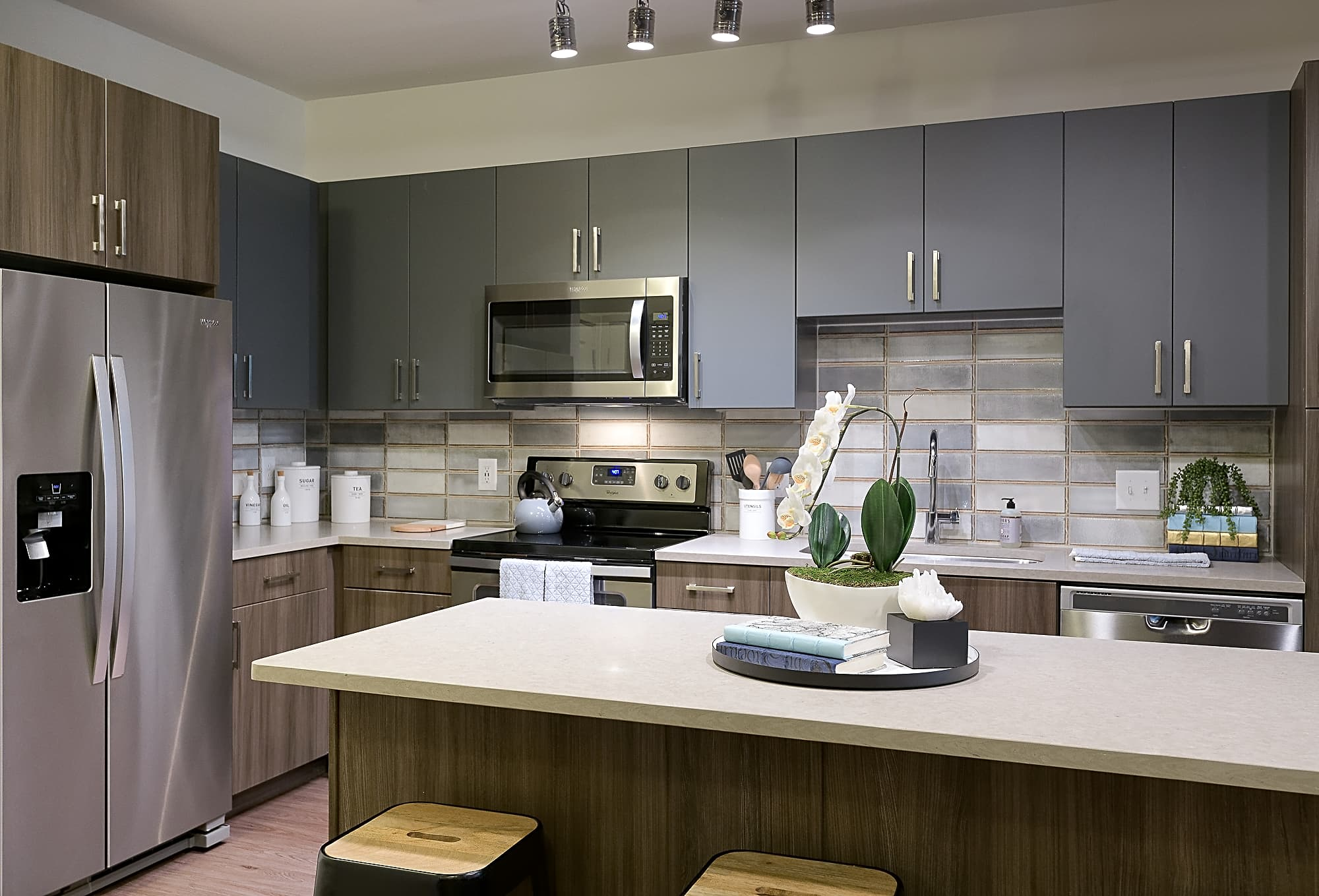 Choose from two kitchen schemes, the Uptown or the Chiseled.
