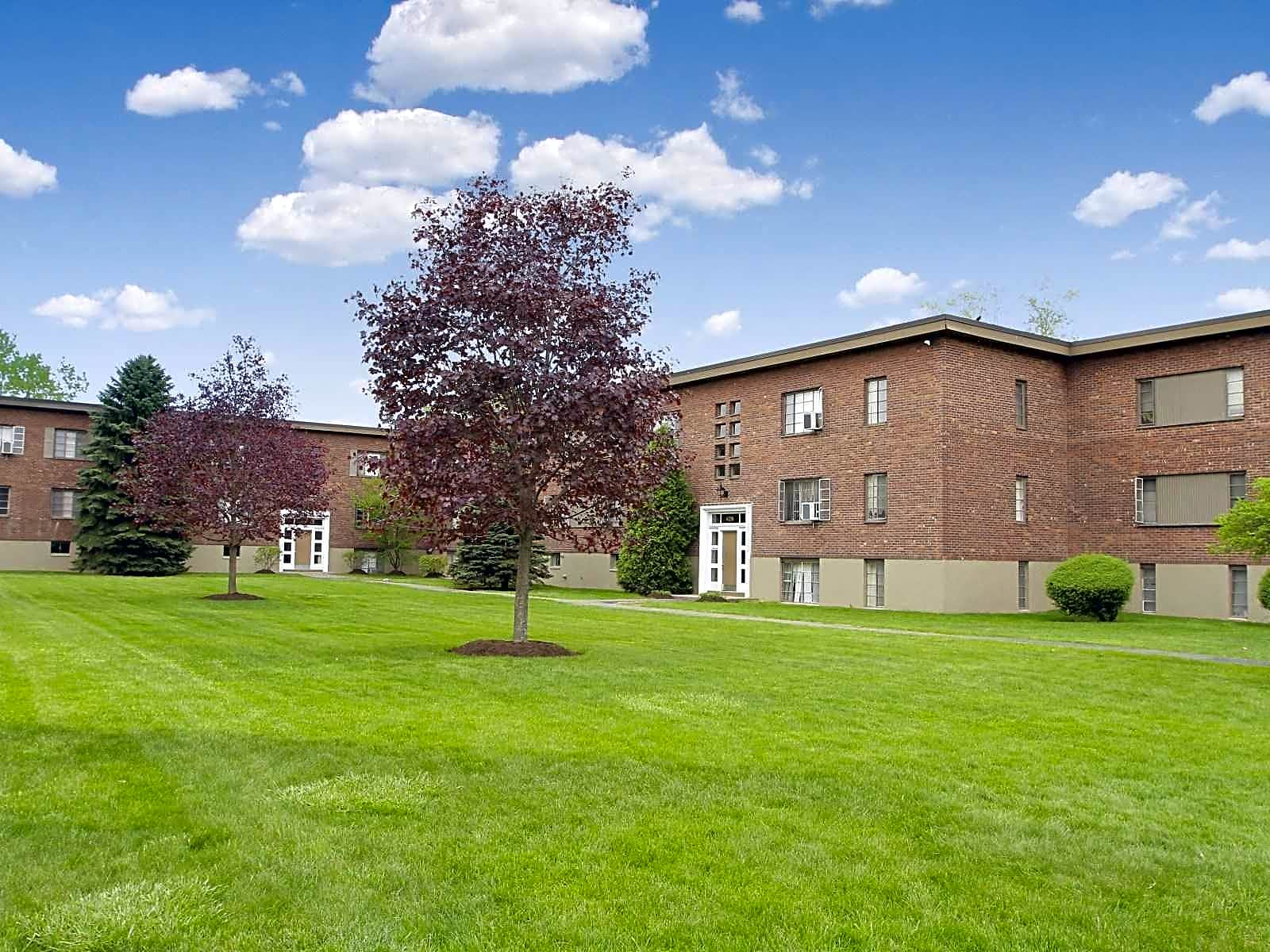 Apartments Near Siena Tivoli Park Apartments for Siena College Students in Loudonville, NY