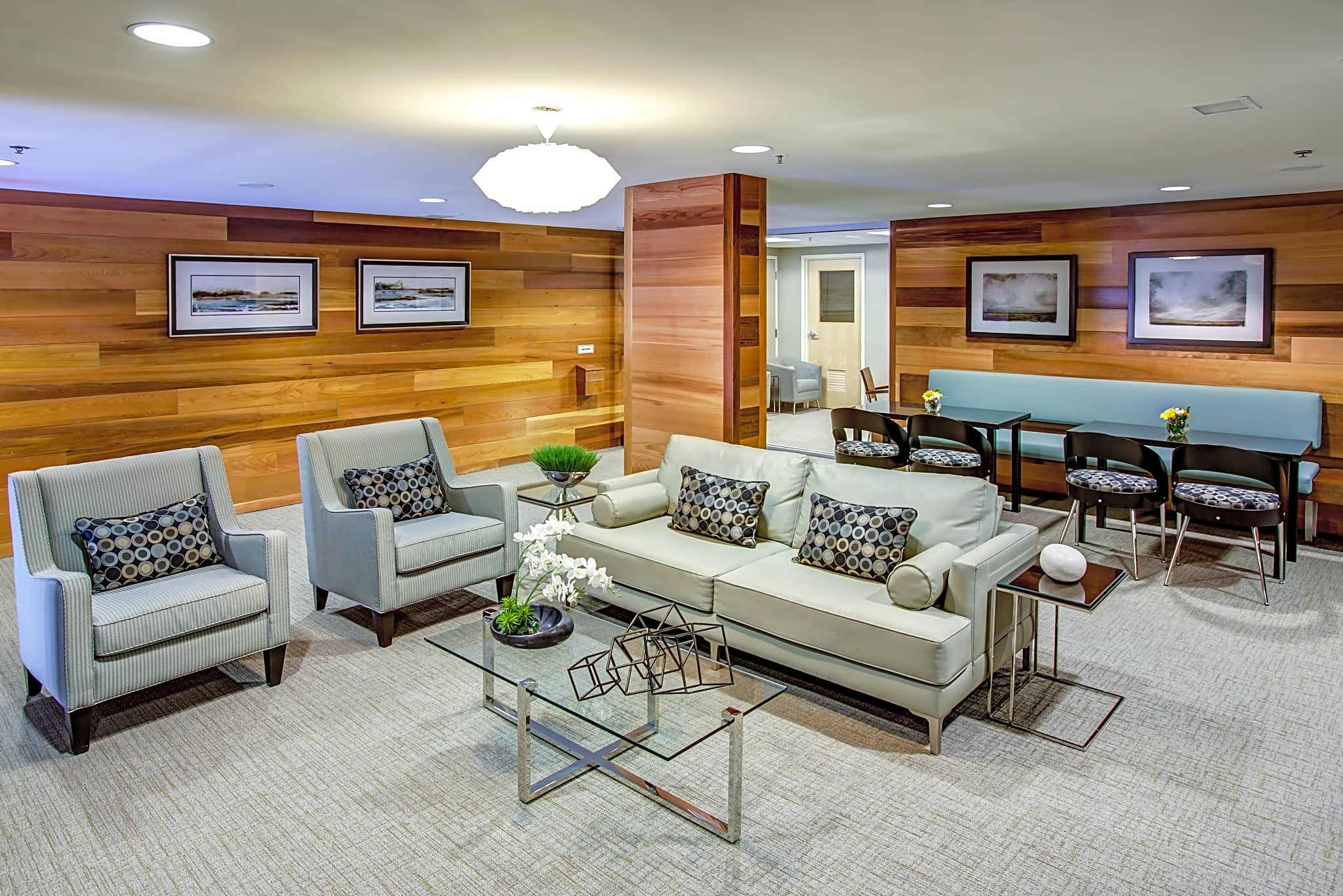 Newly Renovated Second Floor Lounge