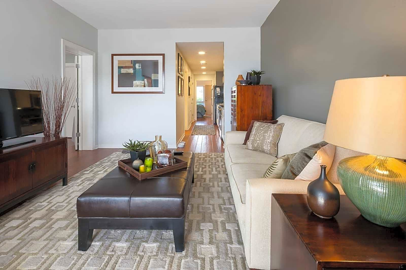 Apartments Near WFU Hilltop House Downtown for Wake Forest University Students in Winston Salem, NC