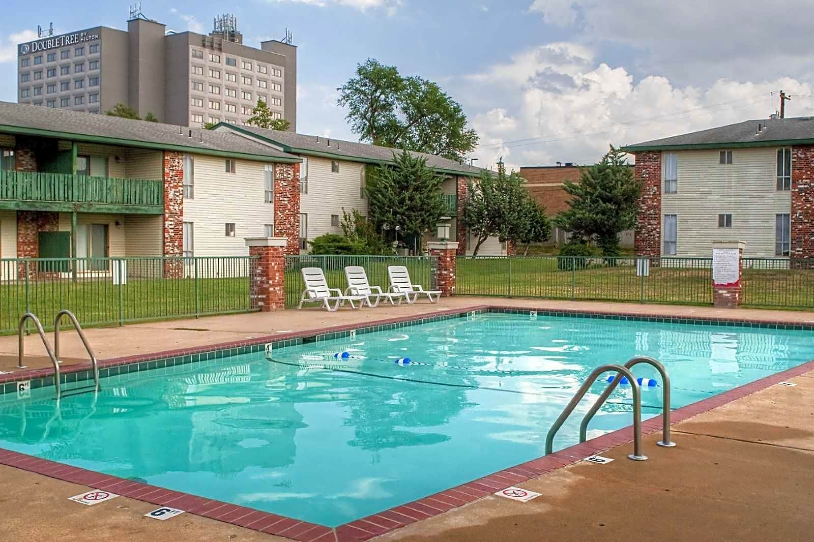 Hillcrest 90 Apartments - Springfield, MO 65803