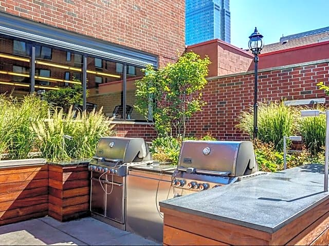 Courtyard with Grilling Area