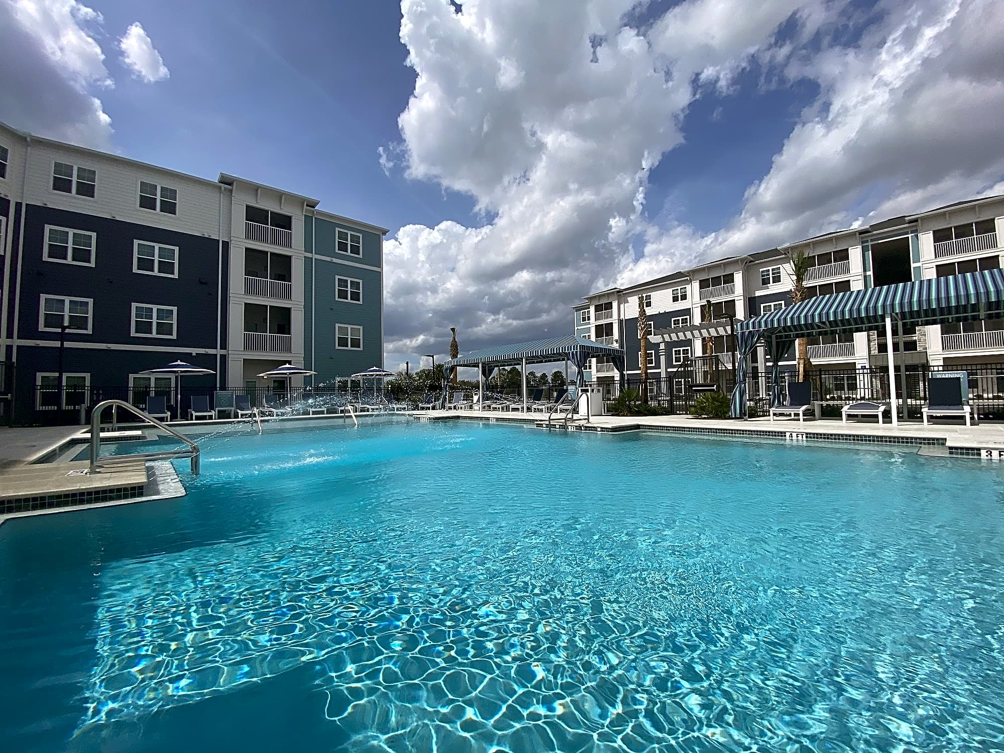 Apartments Near Florida Tech Aventine West Melbourne for Florida Institute of Technology Students in Melbourne, FL