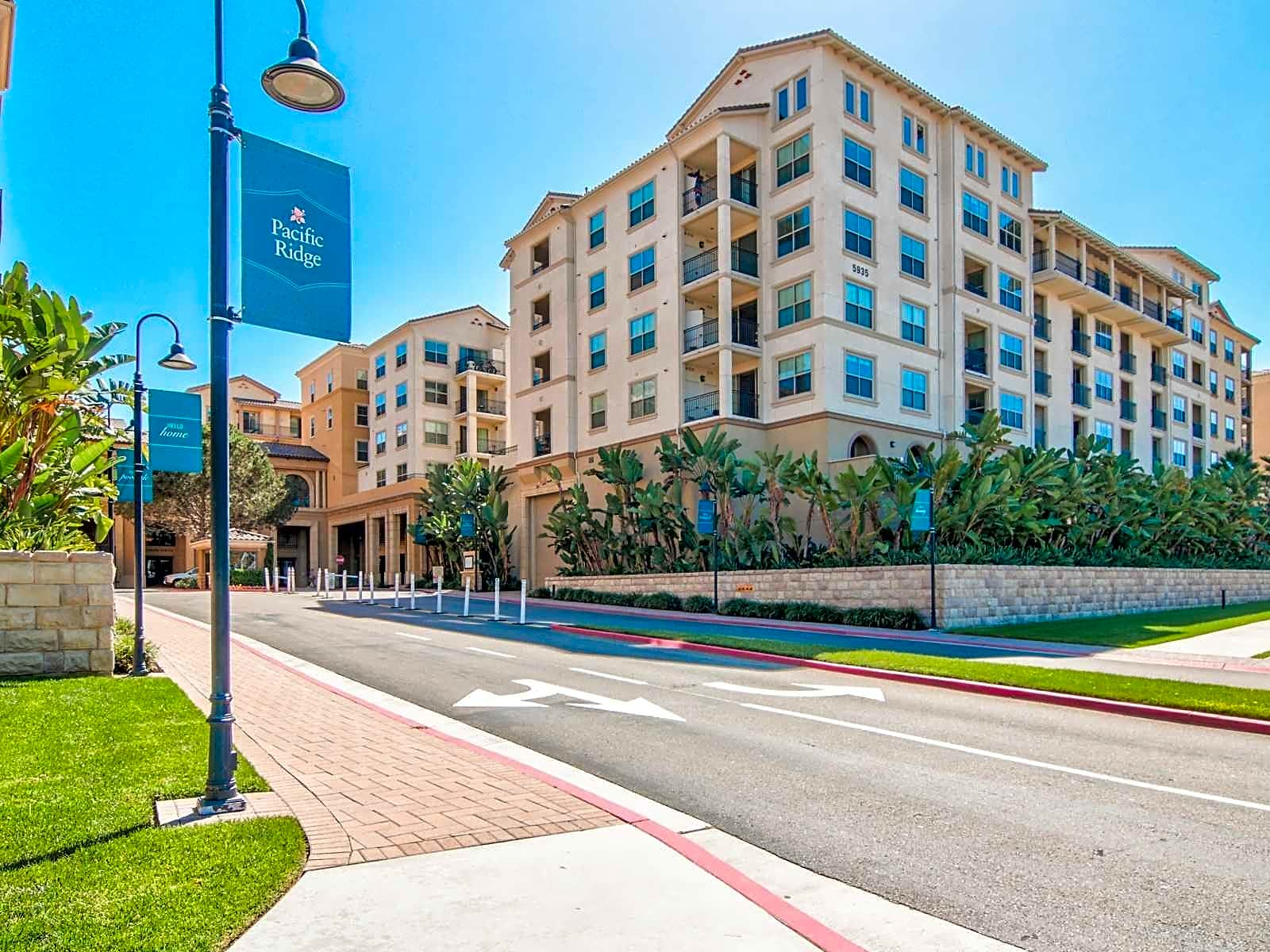 Pacific Ridge Apartments - San Diego, CA 92110