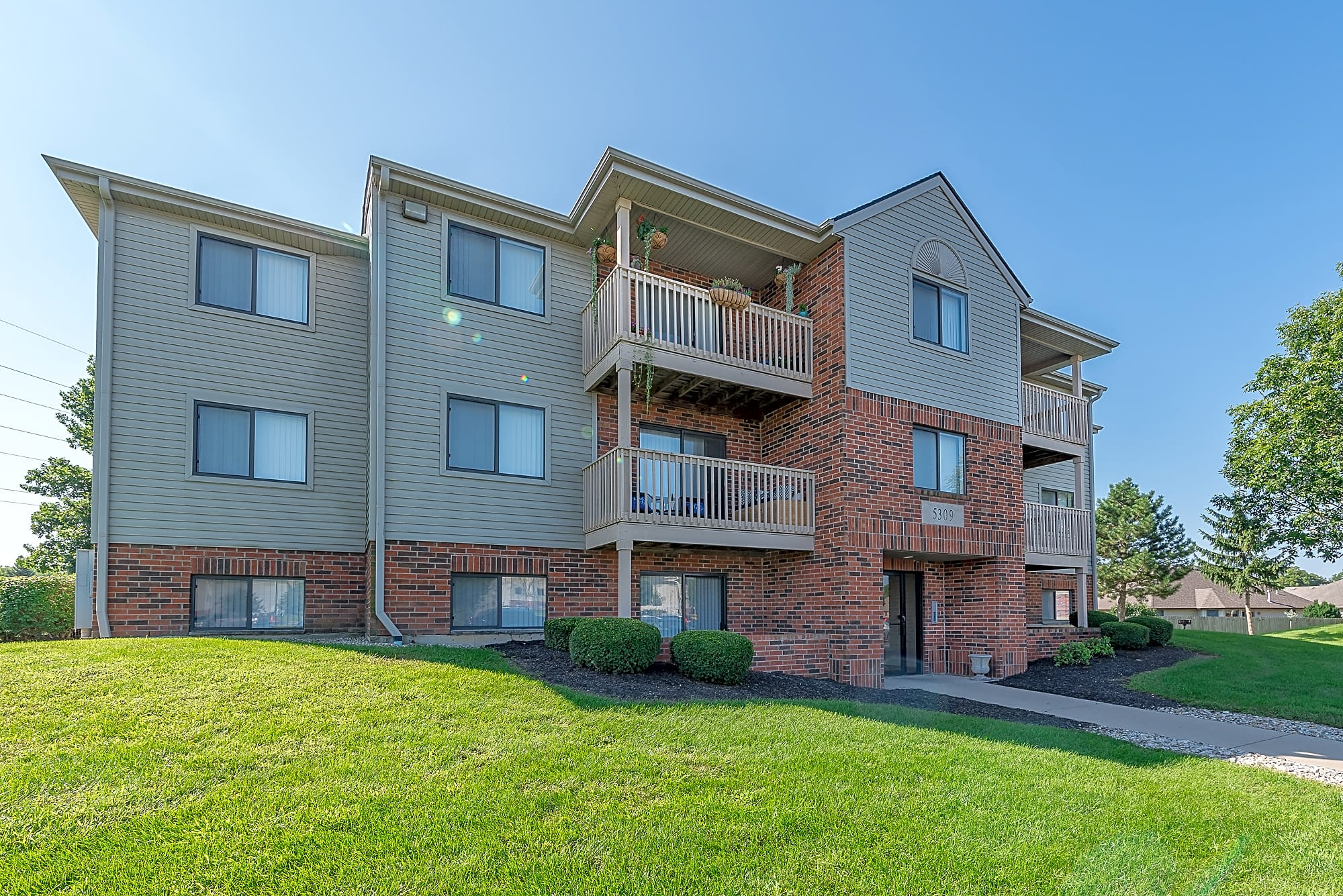Apartments Near Anderson Mill Pond for Anderson University Students in Anderson, IN