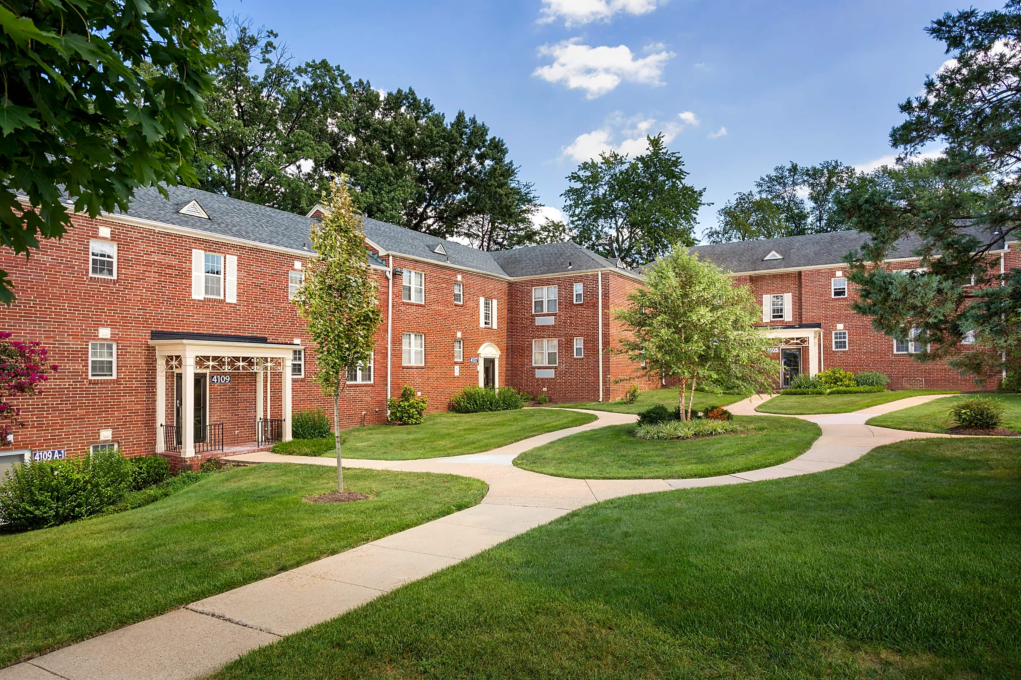 Apartments Near AU Kaywood Gardens for American University Students in Washington, DC
