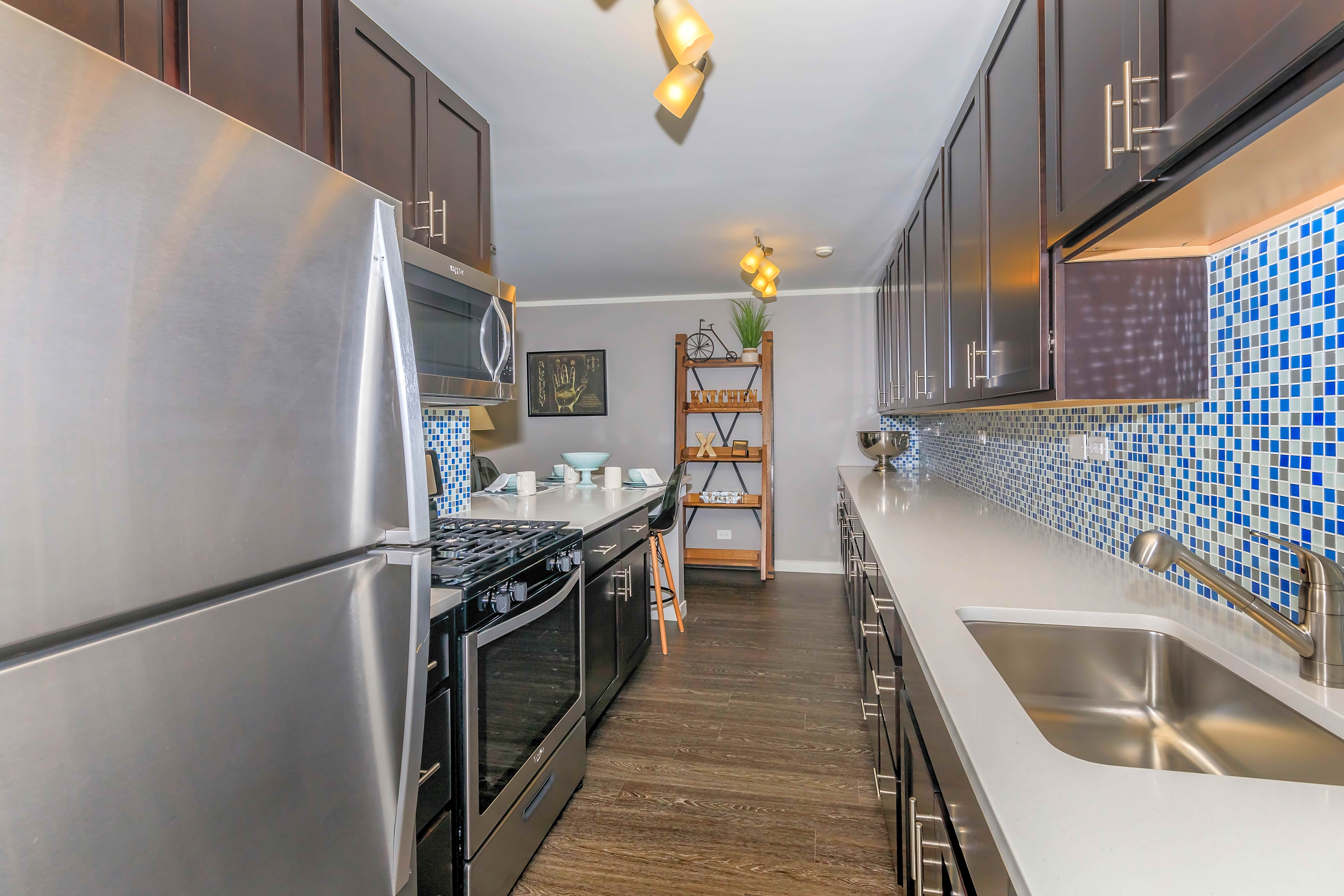 Apartments Near DeVry Renaissance At Carol Stream for DeVry University Students in Addison, IL