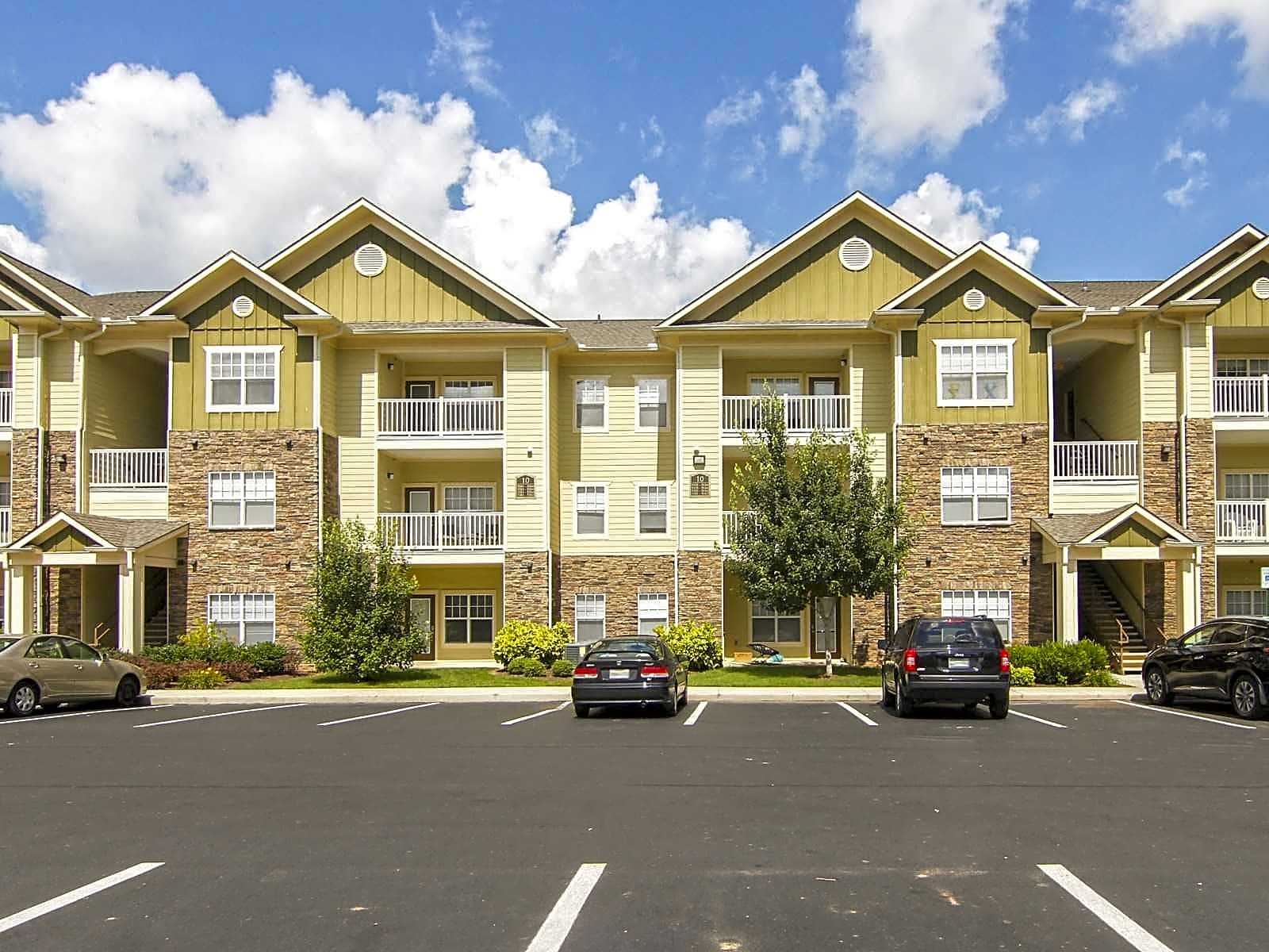 Apartments Near Lee The Retreat at Spring Creek for Lee University Students in Cleveland, TN