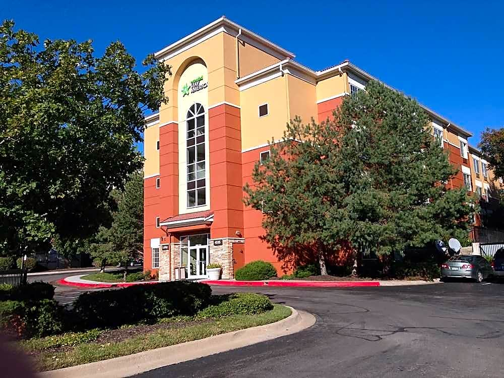 Apartments Near ITT Technical Institute-Kansas City Furnished Studio - Kansas City - Country Club Plaza for ITT Technical Institute-Kansas City Students in Kansas City, MO