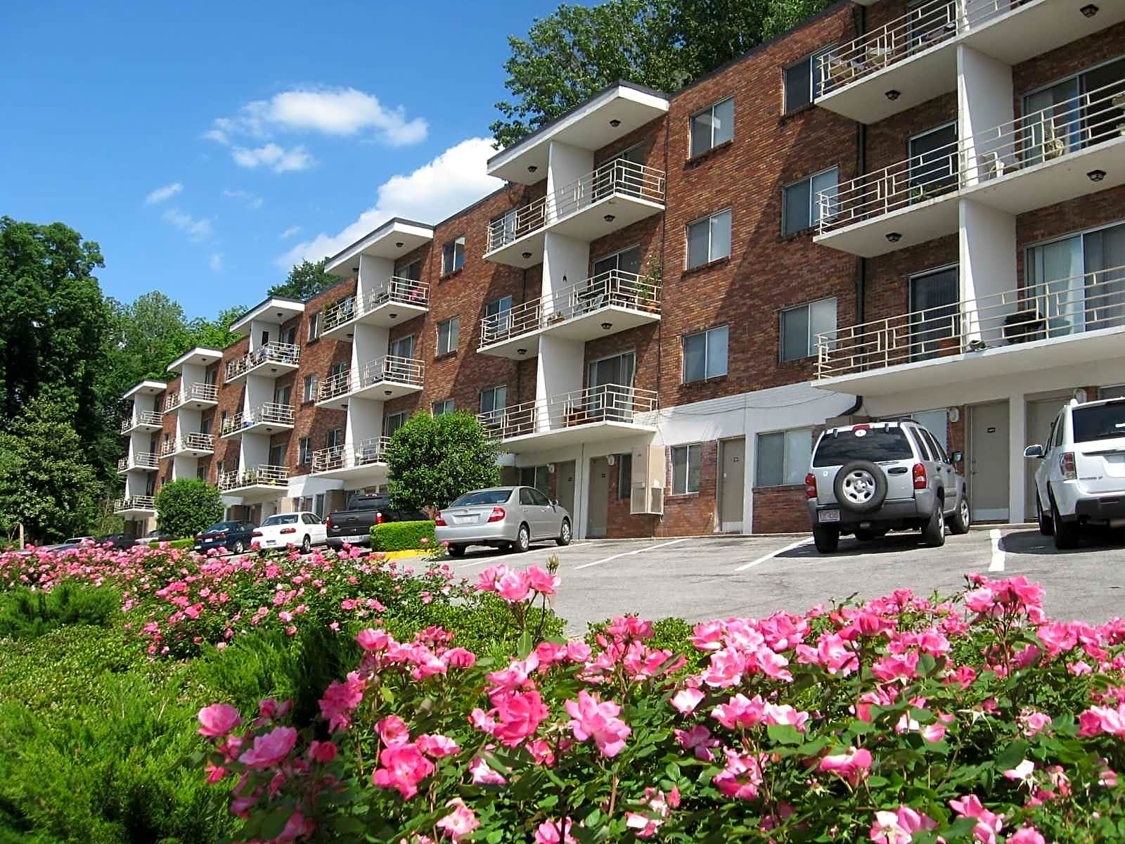 Apartments Near UAB Terrace Apartments for University of Alabama at Birmingham Students in Birmingham, AL