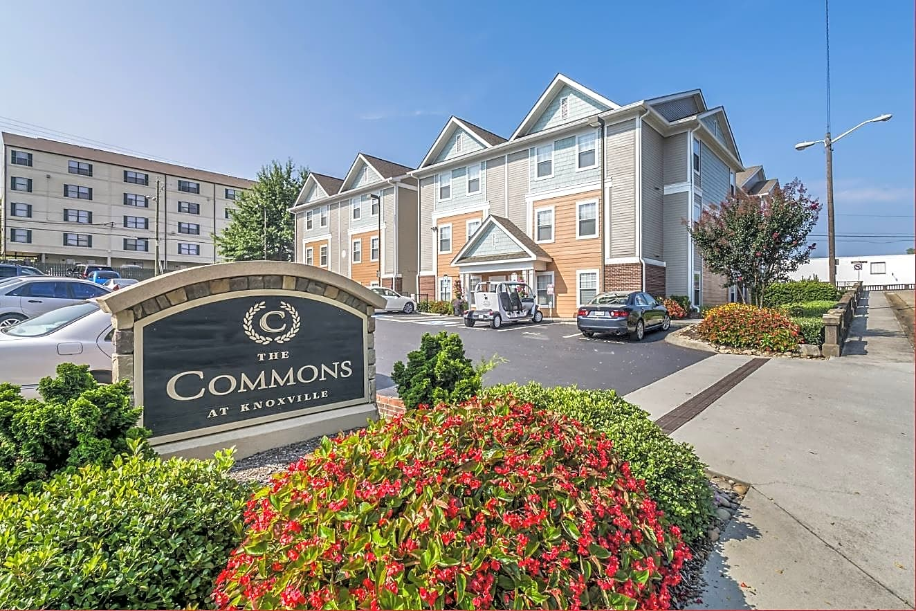 Apartments Near UTK The Commons at Knoxville for University of Tennessee: Knoxville Students in Knoxville, TN