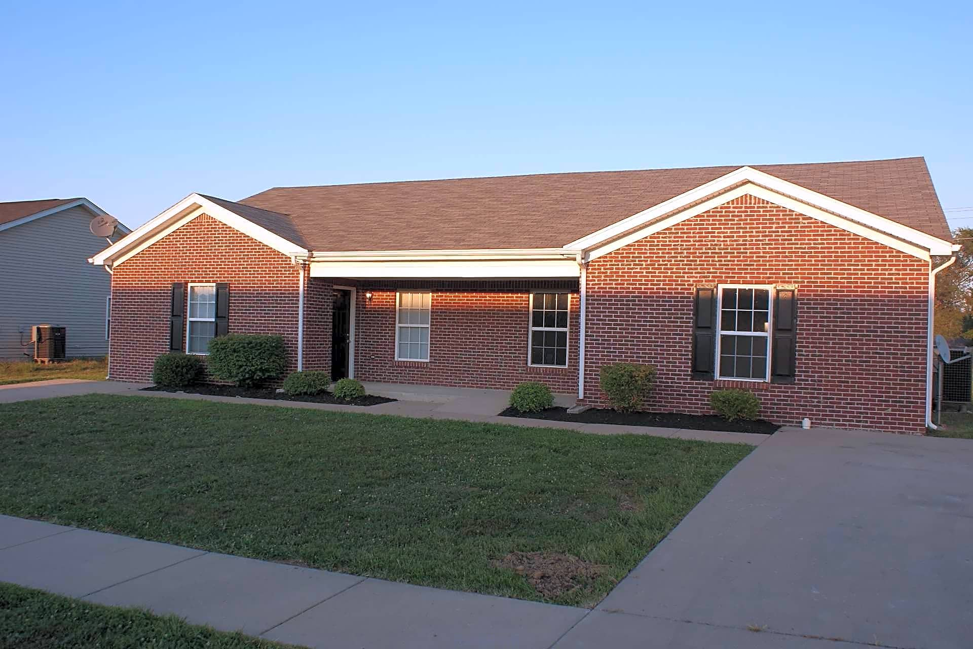 Duplex for Rent in Shelbyville