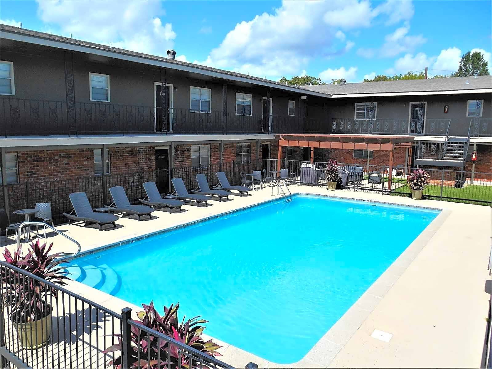 Apartments Near Nicholls Quail Court Apartments for Nicholls State University Students in Thibodaux, LA