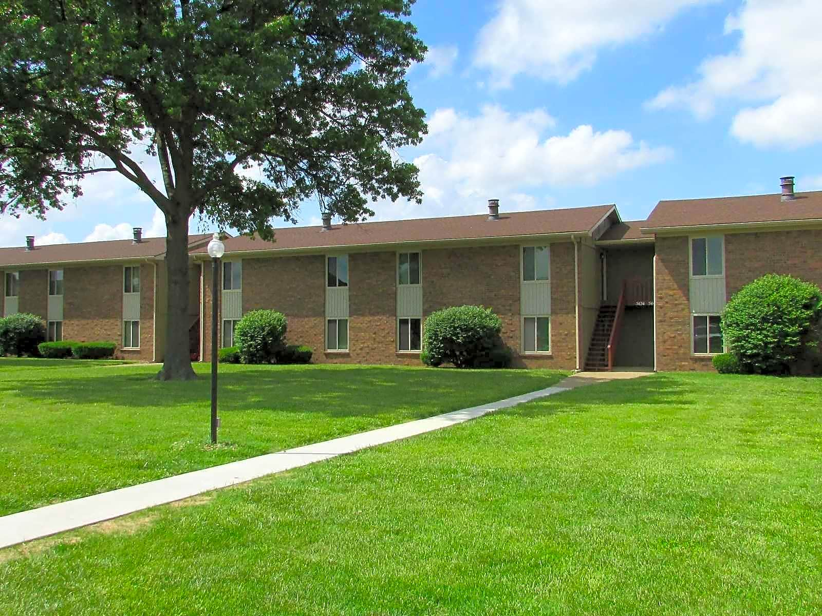 Apartments Near Ross Medical Education Center-Evansville Eastland Apartments for Ross Medical Education Center-Evansville Students in Evansville, IN