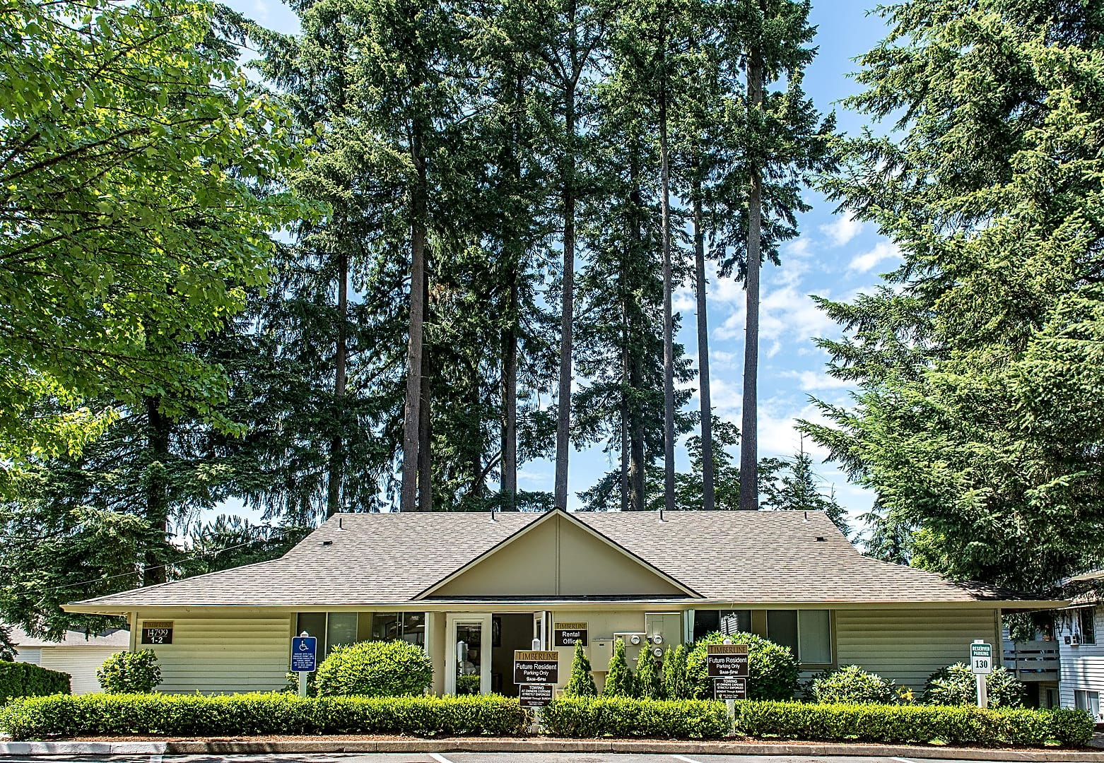 Apartments Near George Fox Timberline Apartments for George Fox University Students in Newberg, OR