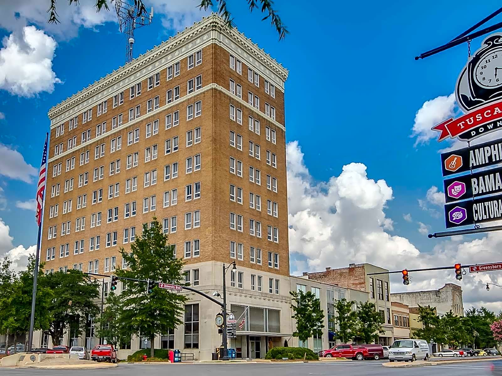 Hoover The Mover >> The Tower Luxury Apartments - Tuscaloosa, AL 35401