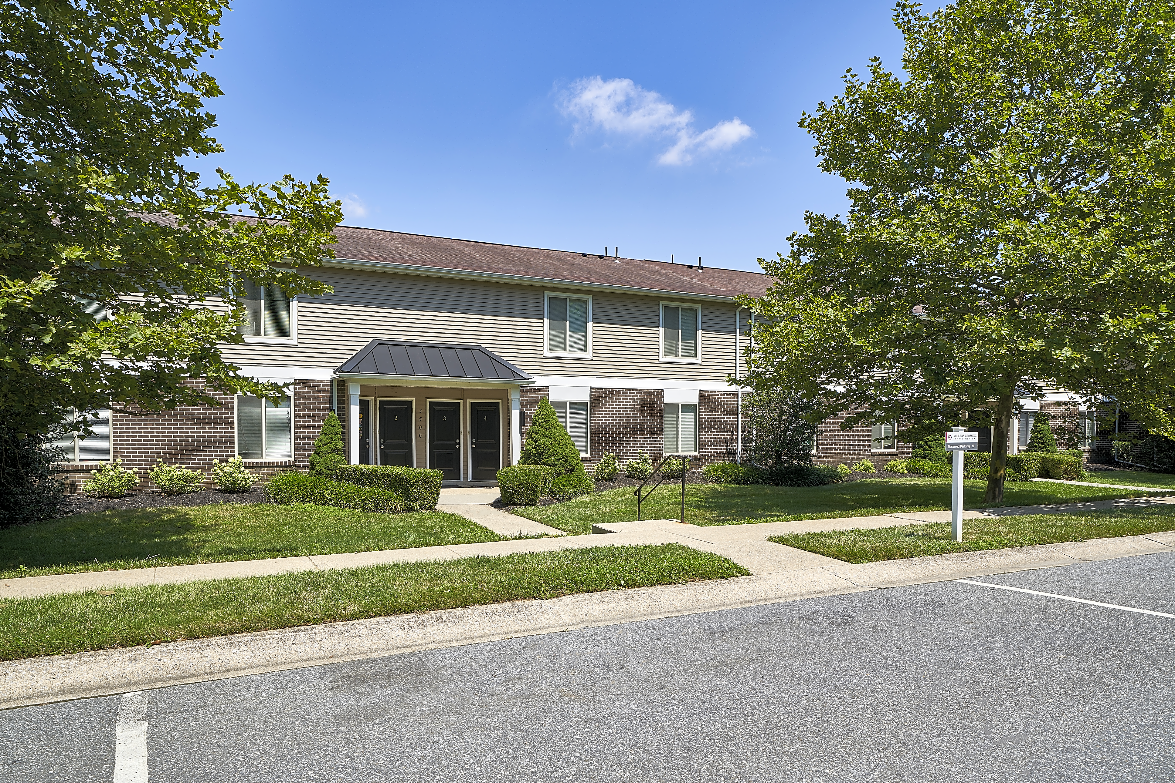 Apartments Near F & M Millers Crossing for Franklin & Marshall College Students in Lancaster, PA