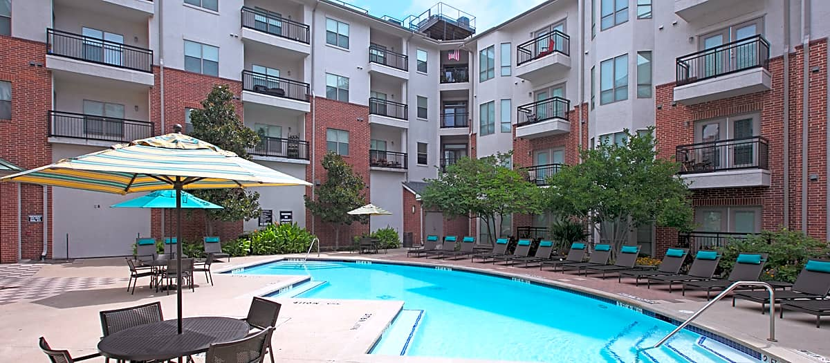 Apartments Near UT Dallas Post Eastside for University of Texas at Dallas Students in Richardson, TX