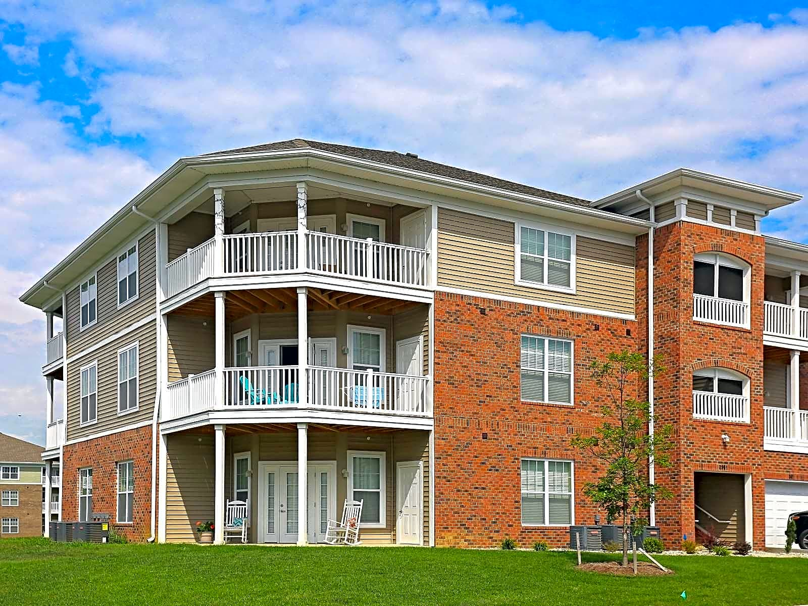 Oak Grove Crossing Luxury Apartment Homes Newburgh In 47630