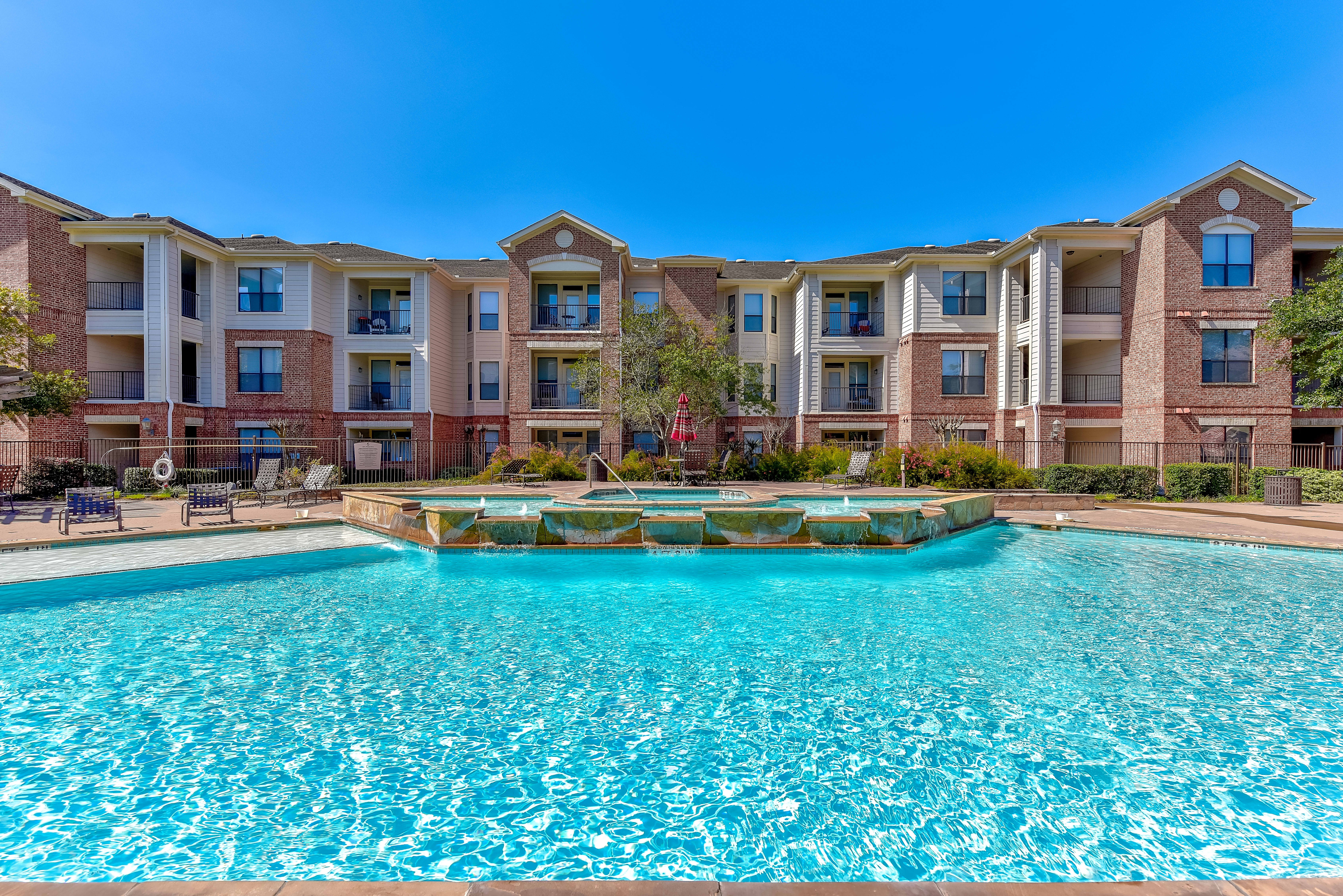 Apartments Near ITT Technical Institute-Houston North The Lakes at Cypresswood for ITT Technical Institute-Houston North Students in Houston, TX