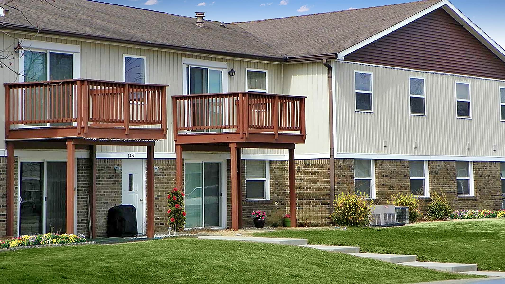 Apartments Near Franklin Stonehedge Apartments for Franklin College Students in Franklin, IN
