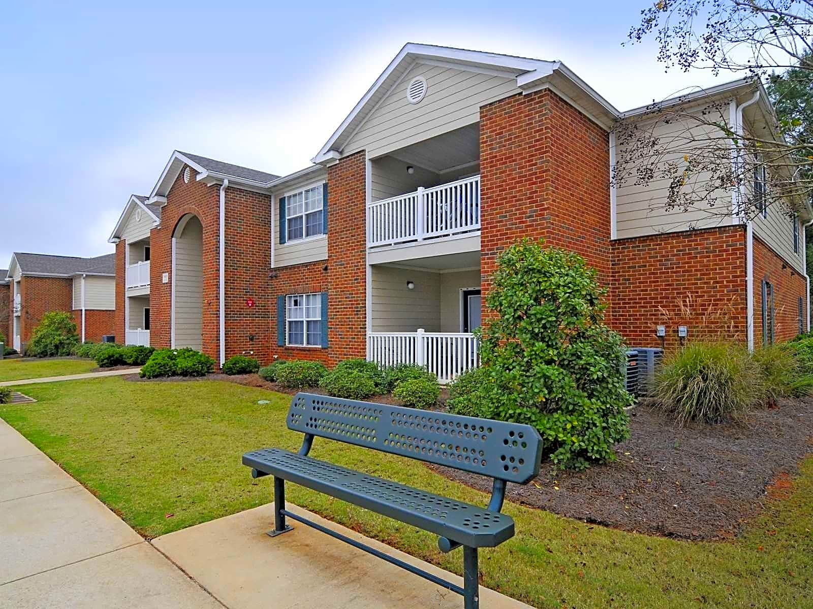 Brentwood Landing Apartments