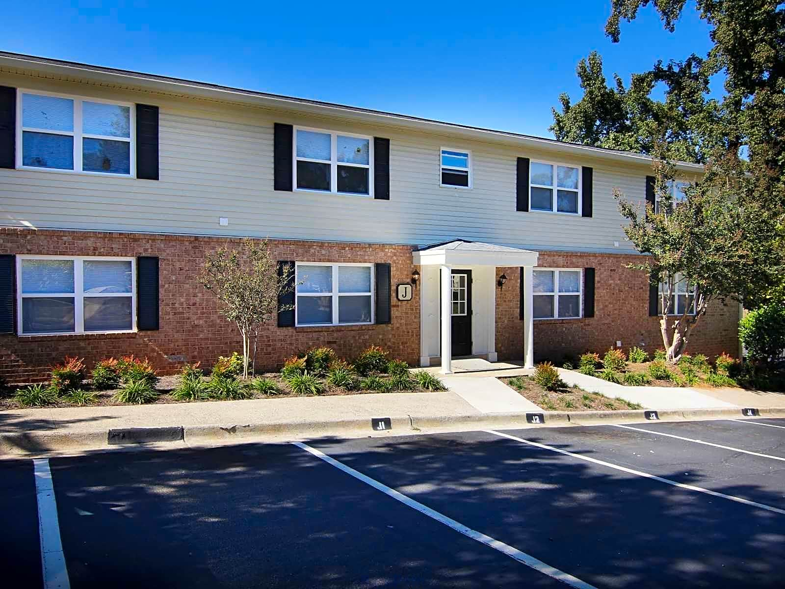 Apartments Near ASU | College Student Apartments