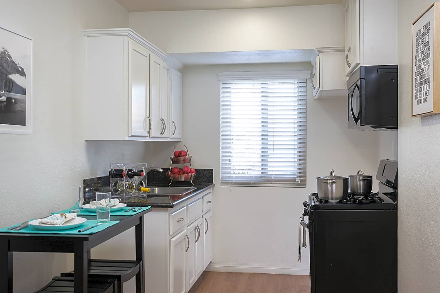 Apartments for Rent in Santa Ana, CA - California Palms Kitchen