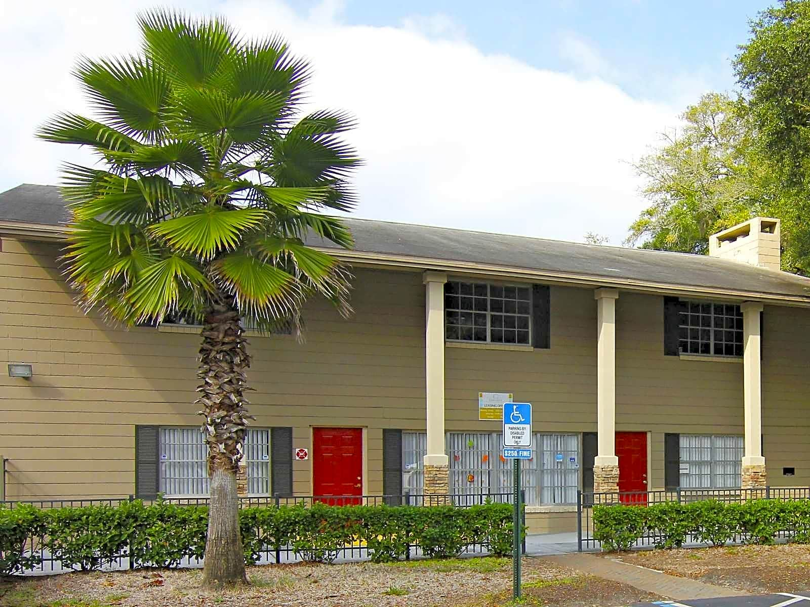Apartments Near JU Chelsea Courtyards for Jacksonville University Students in Jacksonville, FL