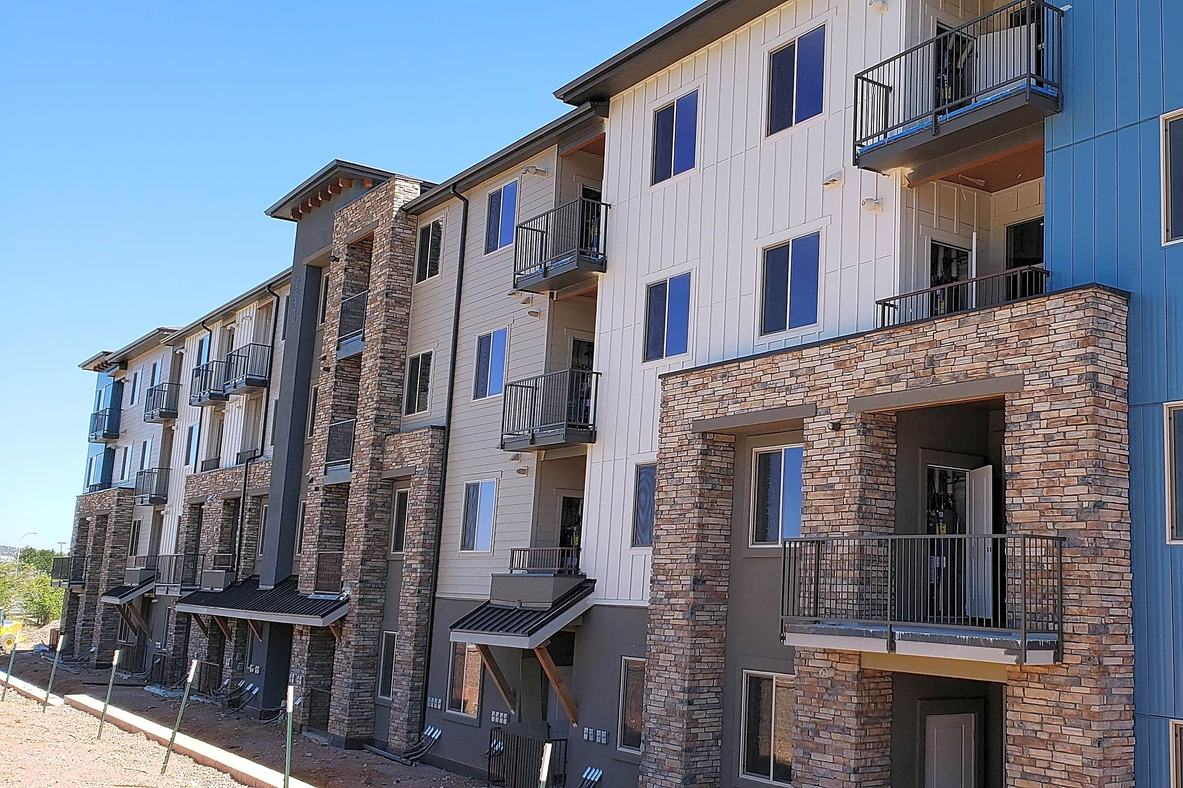 Apartments Near CTU Overlook at Mesa Creek for Colorado Technical University Students in Colorado Springs, CO