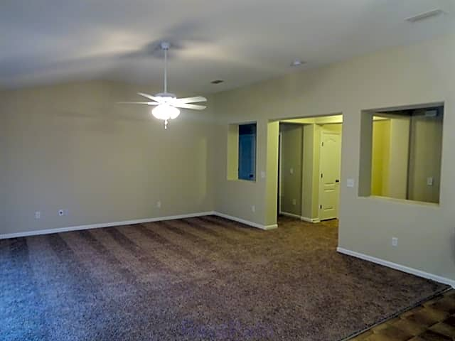 FREE RENT AVAILABLE! Expires 1/15/2018, Terms and