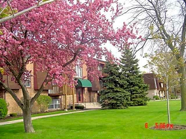 Apartments Near Lewis Pheasant Run for Lewis University Students in Romeoville, IL