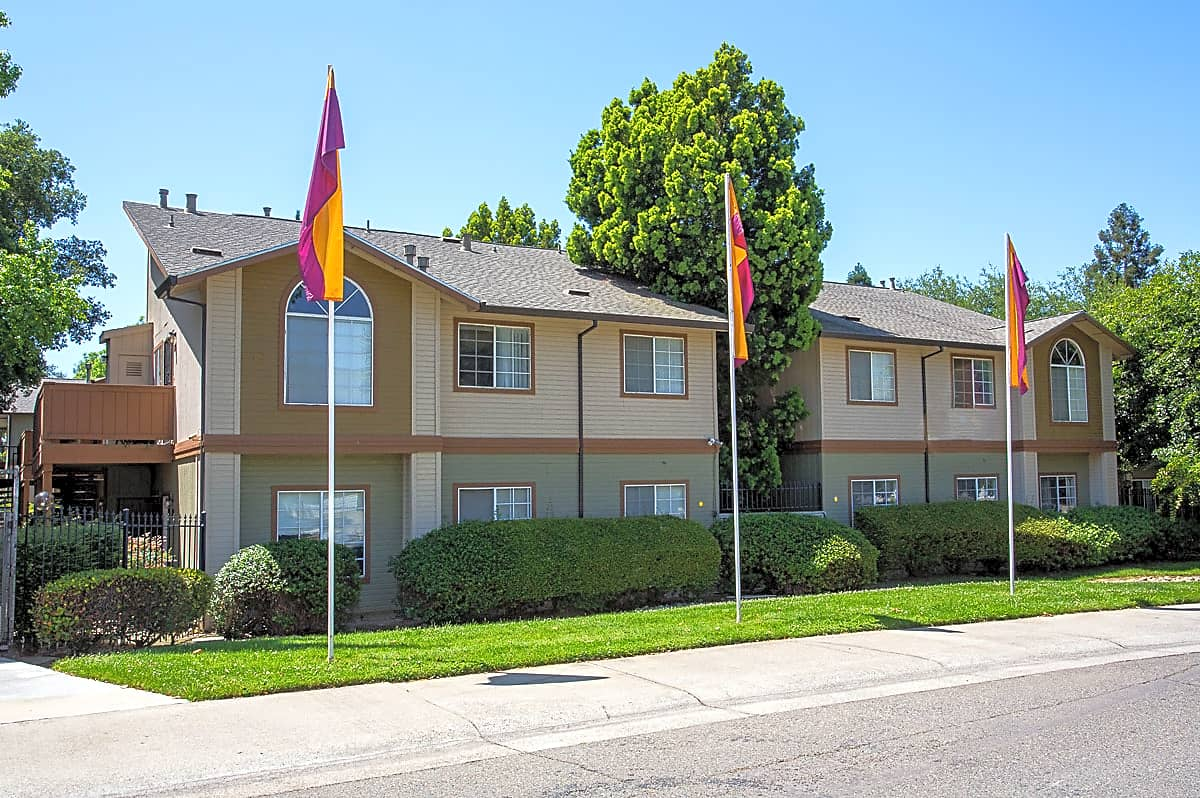 Apartments Near Sierra Copperwood Apartments for Sierra College Students in Rocklin, CA