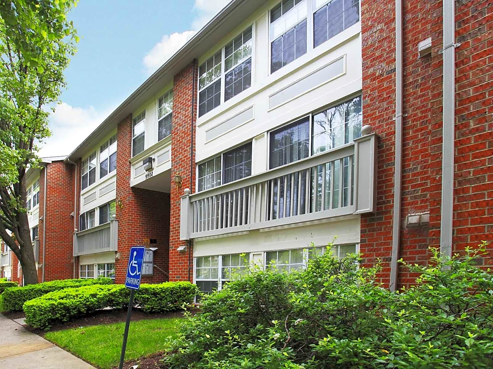 Montgomery Club for rent in Gaithersburg