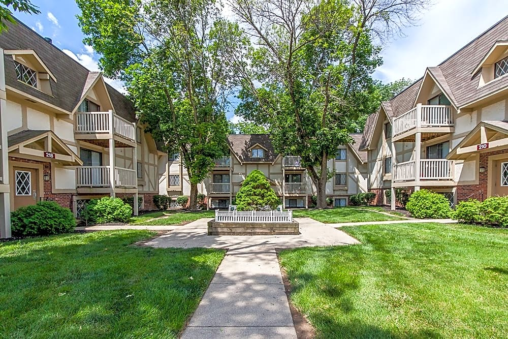 Apartments Near Miami Middletown Bavarian Woods for Miami University Middletown Students in Middletown, OH