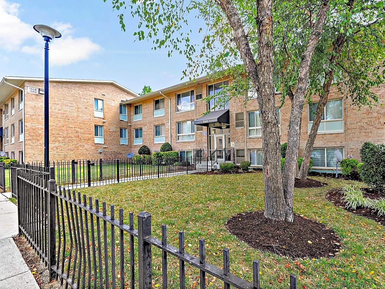 Apartments Near Arlington Heights