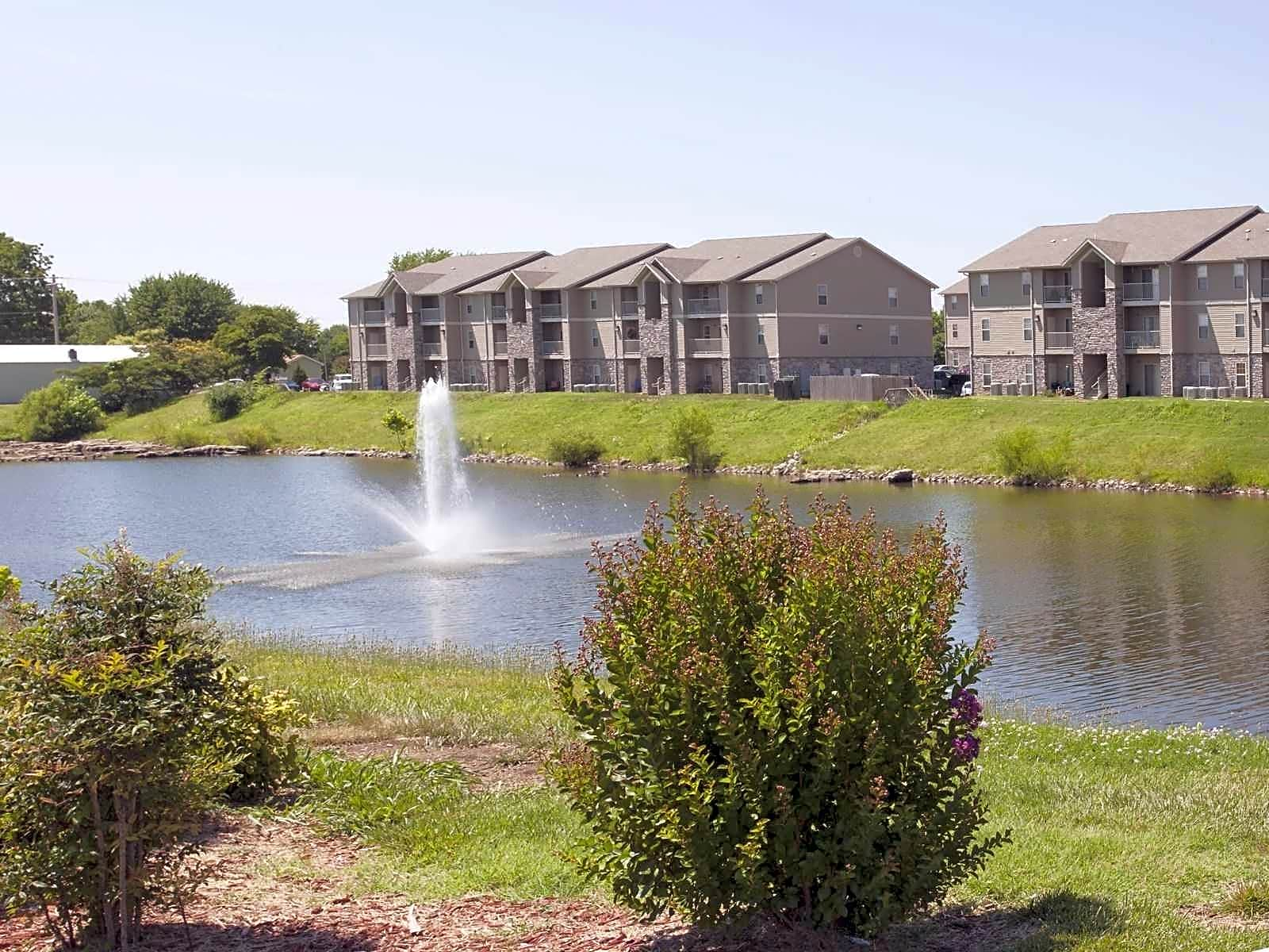 Golden Pond Apartments - Springfield, MO 65807