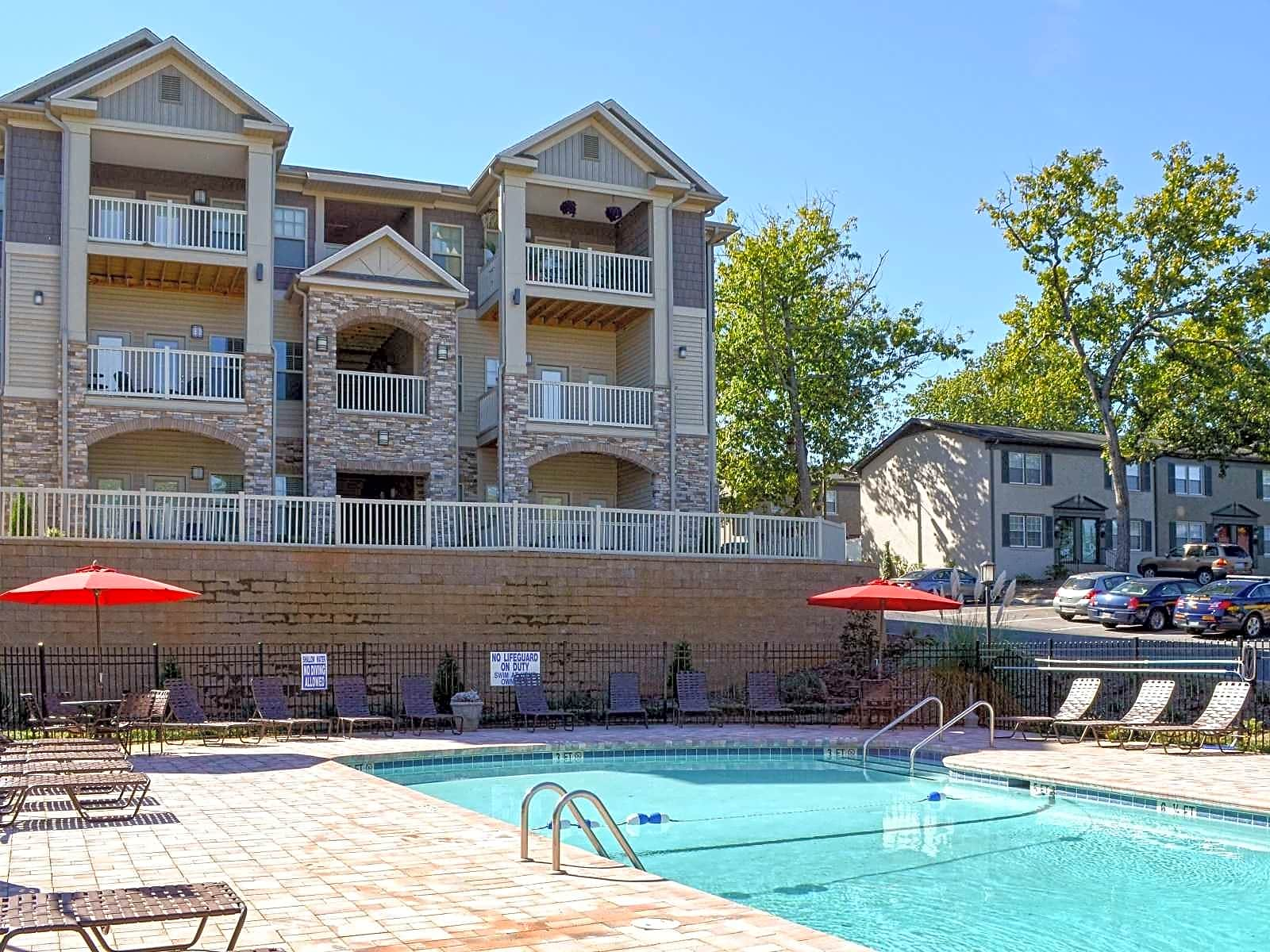 Apartments Near Furman Park at Toscana for Furman University Students in Greenville, SC